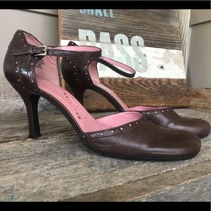 Kenneth Cole Reaction Mary Jane style heels
